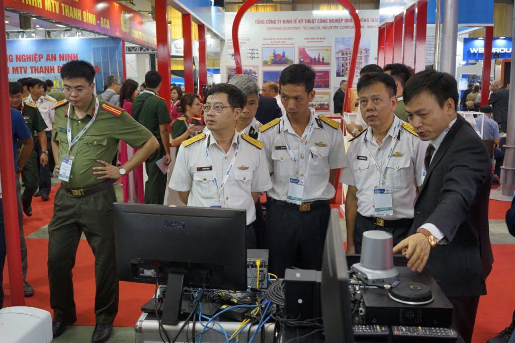 HCOM giới thiệu giải pháp tới các đơn vị