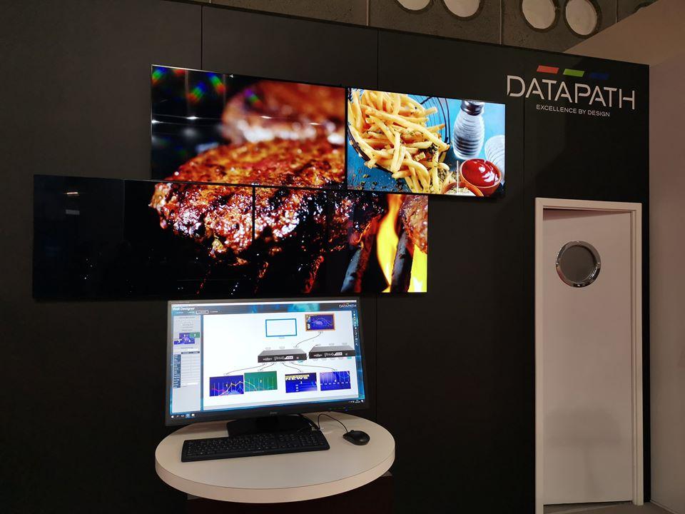 bộ điều khiển FX4 được sử dụng để thiết kế các màn hình ghép nghệ thuật