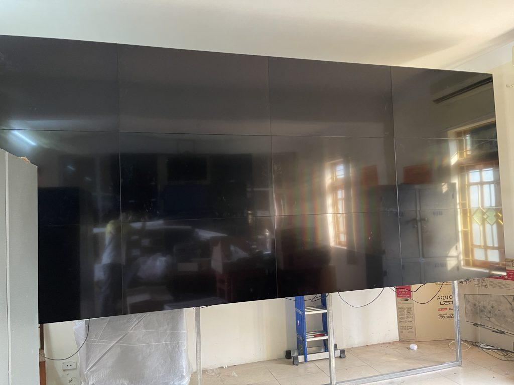 Hoàn thiện lắp đặt màn hình và giá treo tại Yên Bái