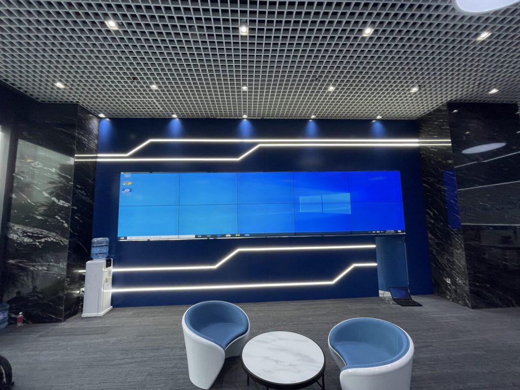 lắp đặt màn hình ghép ngân hàng 2x5 tại Hà Nội