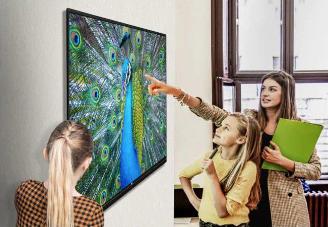 màn hình tương tác cho màu sắc chân thực